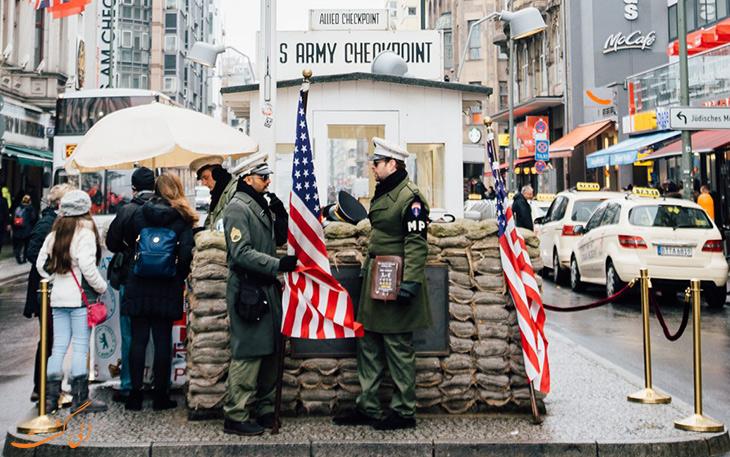 یادبود دیوار برلین و چک پوینت چارلی