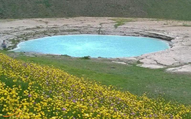 دریاچه دیو آسیاب نگین دشت لار