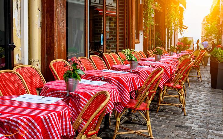 کافه در پاریس