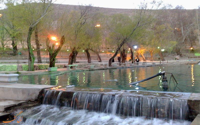 گردشگاه چشمه سیاسرد