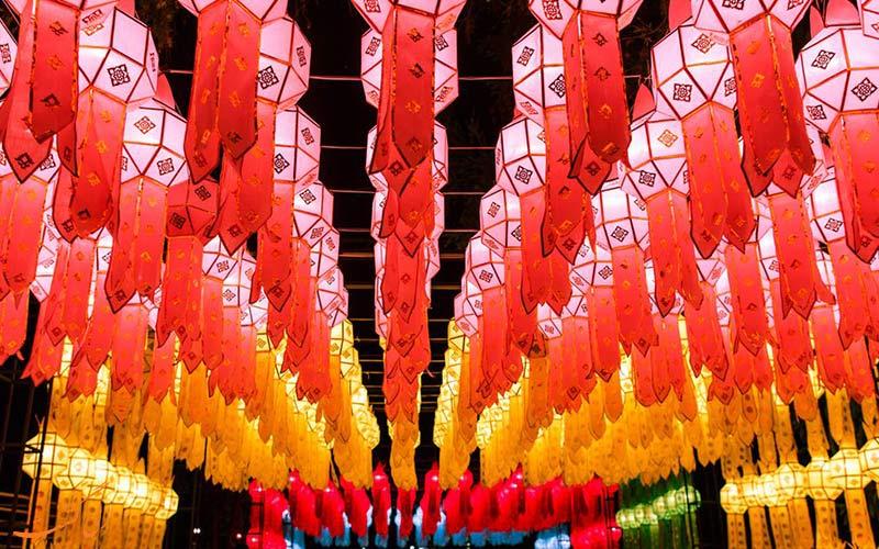 جشن نور چیانگ مای تایلند