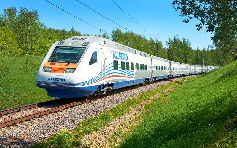 رفتن از مسکو به سن پترزبورگ با قطار