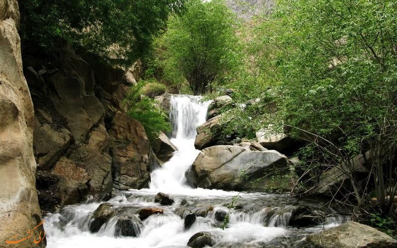 مسیر آبشار زیبای گرینه