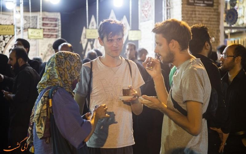 حضور گردشگران خارجی در عزاداری محرم