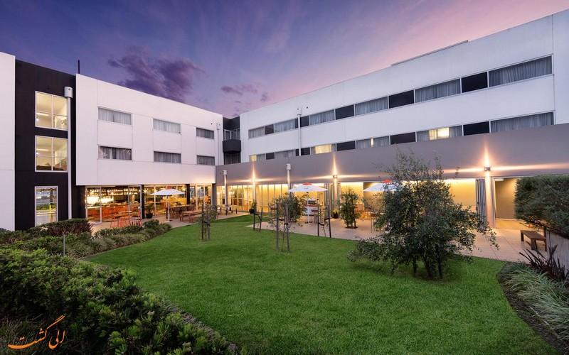 هتل 4 ستاره آتورا داندنونگ