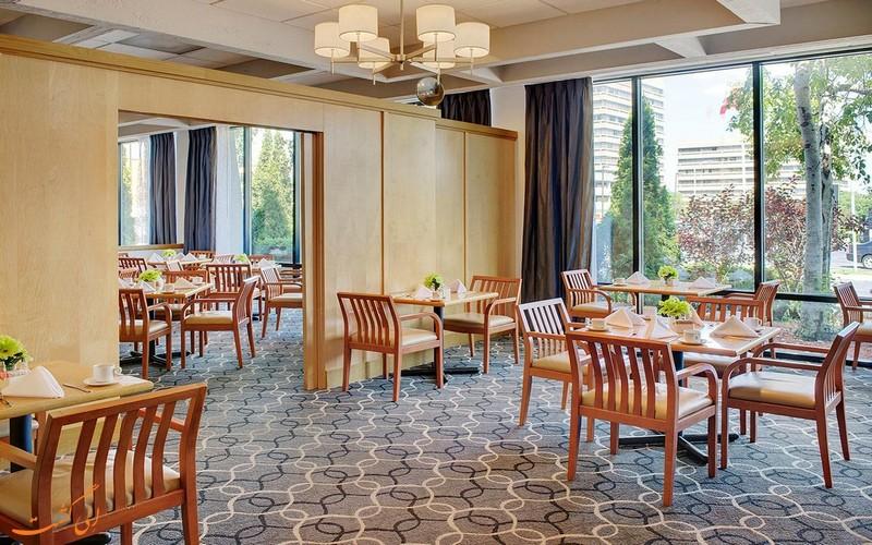 هتل 3 ستاره رادیسون در تورنتو
