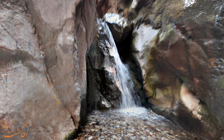 آبشارهای سیمک در تنگه سیمک