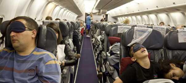 با این ترفندها، پروازهای طولانی راحتی خواهید داشت!