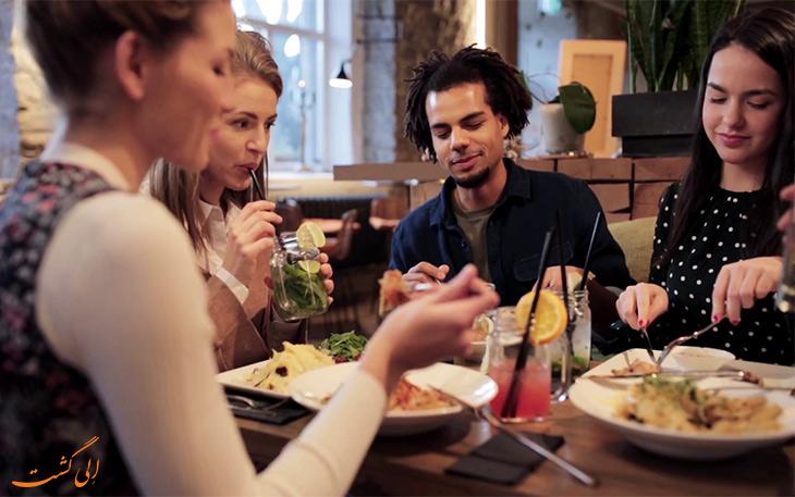 طرز رفتار در رستوران