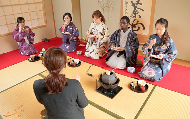 اجرای مراسم سرو چای در ژاپن