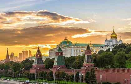 از مسکو به سن پترزبورگ