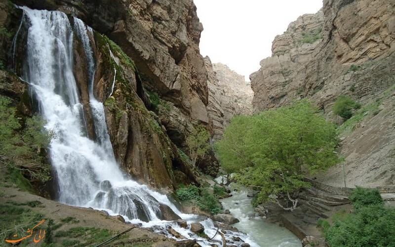 آبشار آب سفید الیگودرز جاهای دیدنی لرستان