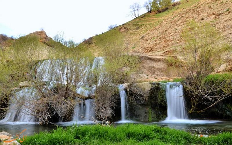 آبشار گریت از جاذبه های طبیعی لرستان