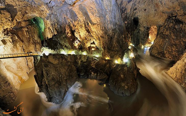 غار اسکوژان
