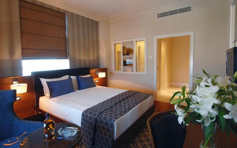 هتل 5 ستاره تایتانیک لزینس کارتال استانبول