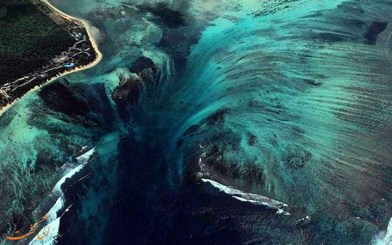 آیا می دانستید که بزرگترین آبشارهای جهان در زیر آب قرار دارند؟