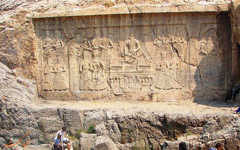 دیوار نوشته های قاجاری