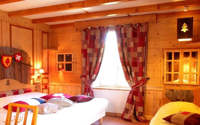 هتل 2 ستاره آربز در مرز سوئیس و فرانسه