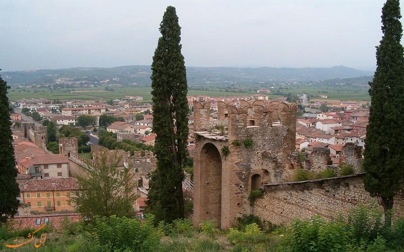 شهر و قلعه معروف
