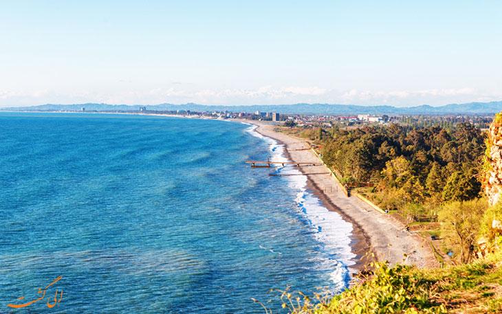 ساحل باتومی در پاییز