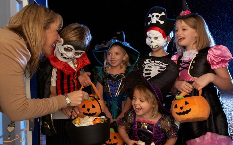 قاشق زنی در هالووین