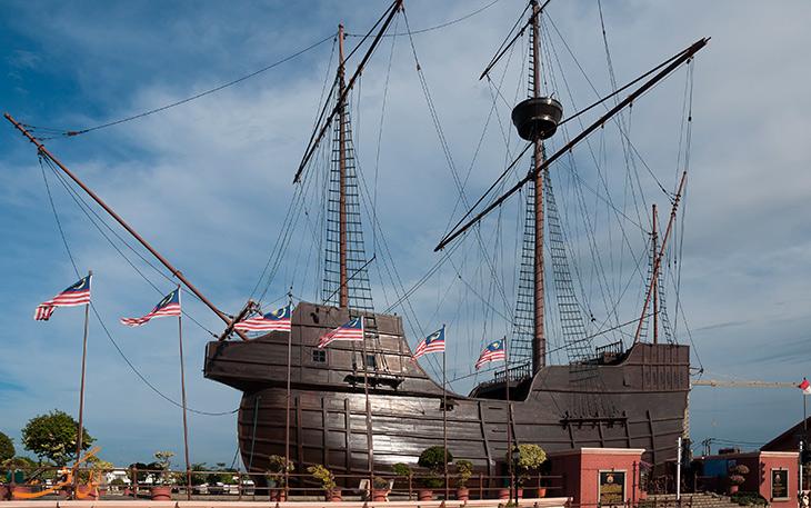 کشتی فلوردلامار