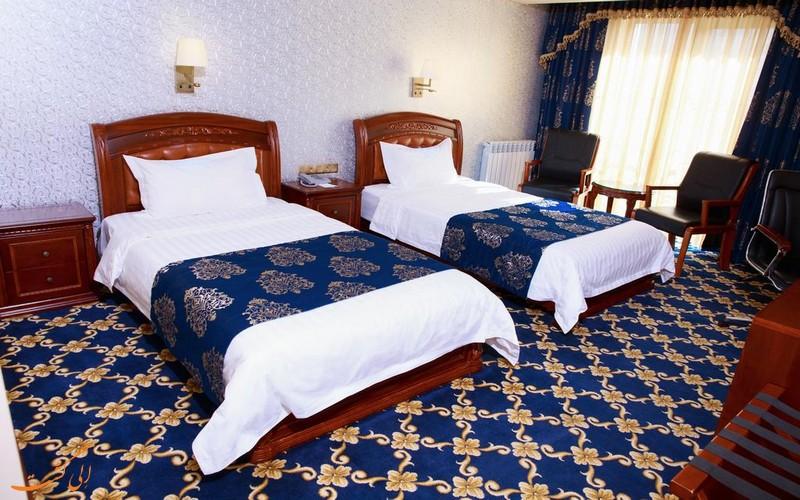 هتل 5 ستاره کرون پالاس
