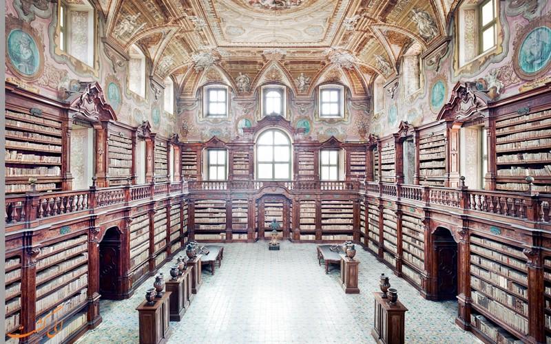 کتابخانه گیرولامینی