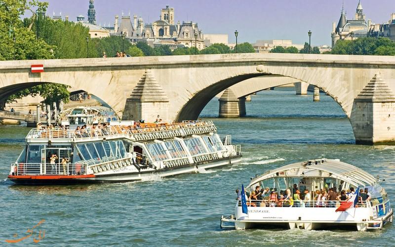 قایق اتوبوسی پاریس