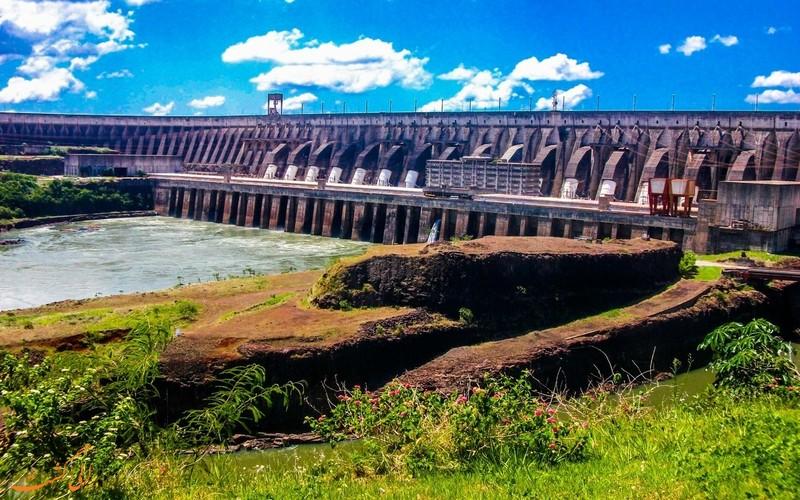 سد ایتایپو در مرز برزیل و پاراگوئه