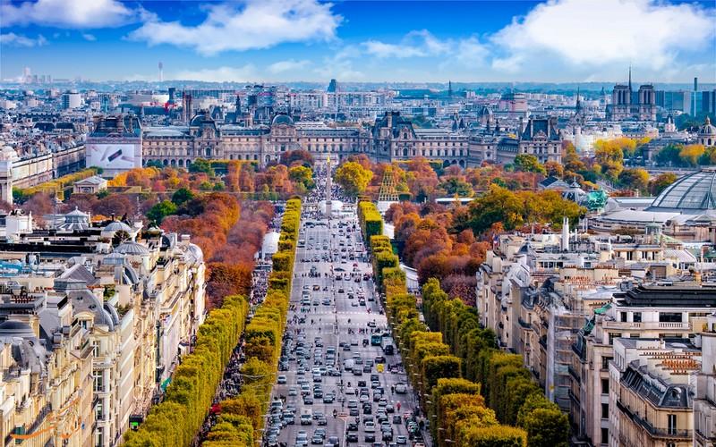 نمای پاریس از بالای طاق نصرت