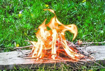 تهیه آتش به روش اصطکاکی-الی گشت