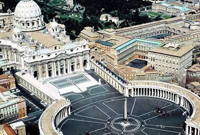 میدان سنت پیتر واتیکان-الی گشت