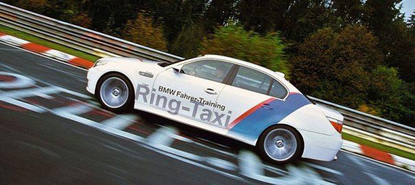 عجیب ترین راه های تاکسی گرفتن در دنیا
