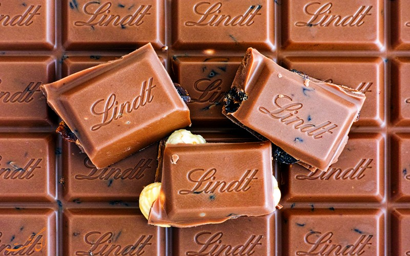 شکلات لینت اند اشپرونگلی
