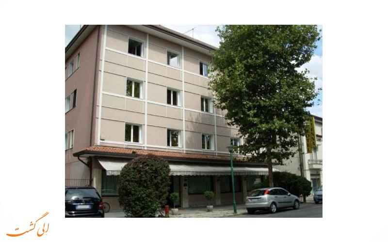 خدمات هتل وینا ونیز