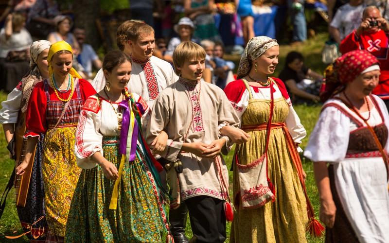 رسم و رسوم ایوان کوپالا