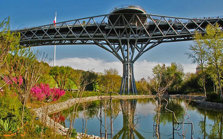 پل طبیعت برای گشت و گذار در تهران