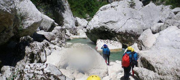 هر آن چه که باید درباره ی رودخانه نوردی بدانید