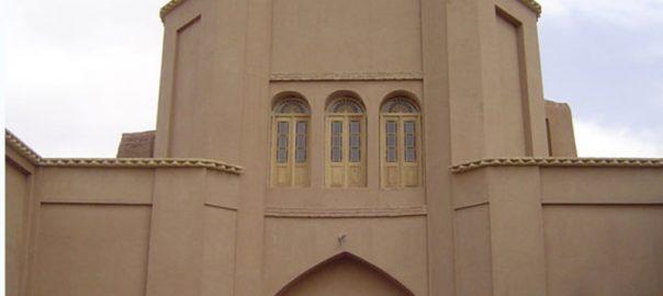 خانه ی برونی میبد، اثری تاریخی که معماریش از تاریخ آن می گوید!