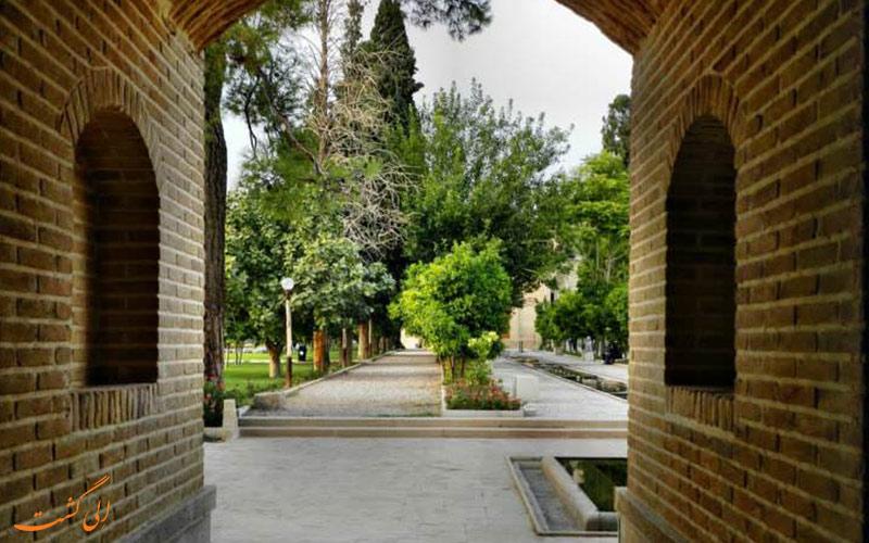 داخل باغ جهان نمای شیراز