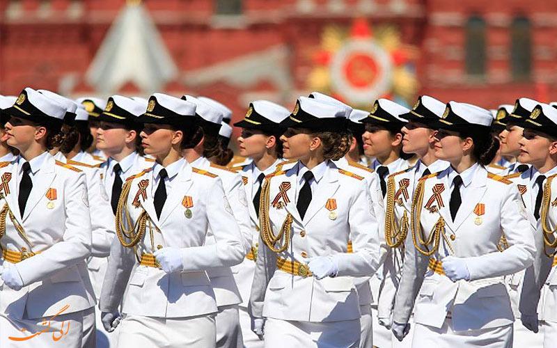 رژه-زنان-ارتش-روسیه در میدان سرخ مسکو