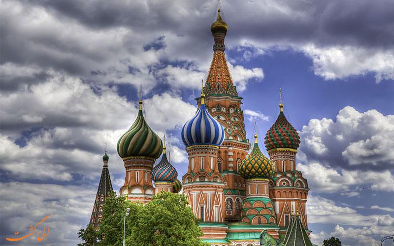 گنبدهای رنگارنگ سنت باسیل در میدان سرخ مسکو