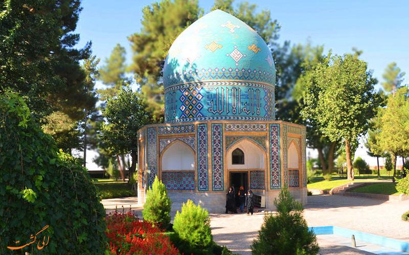 آرامگاه شاعر پر آوازه ی ایران، عطار