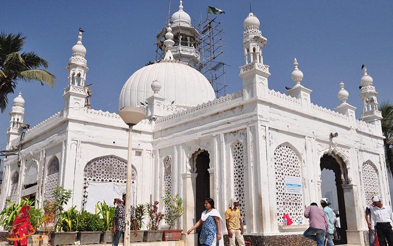 ساختمان آرامگاه حاج علی بمبئی