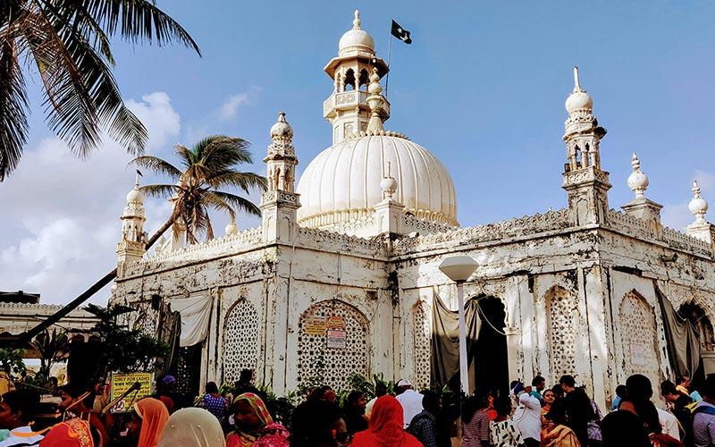 آرامگاه حاج علی در بمبئی