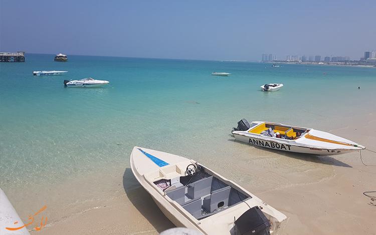 بهترین زمان سفر به کیش در تابستان و قایق های جزیره