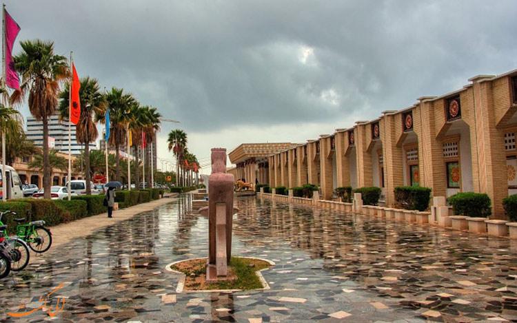 خیابان بارانی در کیش-بهترین زمان سفر به کیش