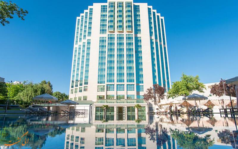 نمایی از ساختمان هتل سوزانی سمرقند