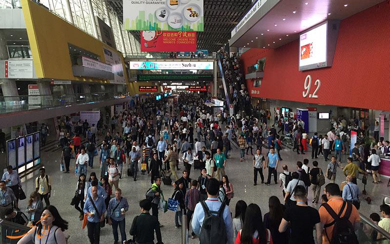 شرکت کنندگان یکی از نمایشگاه های کانتون گوانجو در چین